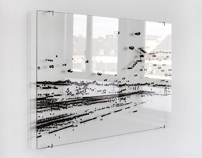 Double-B – Lack hinter Glas