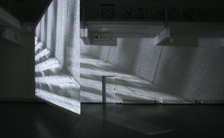 run-run – Video- und Klanginstallation – Neues Kunstforum Koeln 2006
