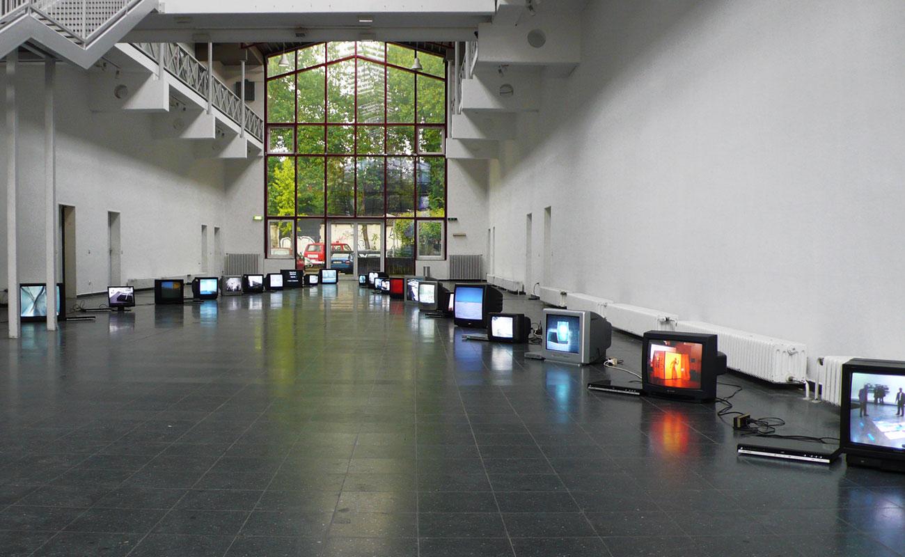 Fuenf 01 – Neues Kunstforum Koeln